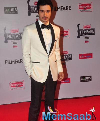 Darshan Kumar Casual Look On Red Carpet At 60th Britannia Filmfare Awards 2015