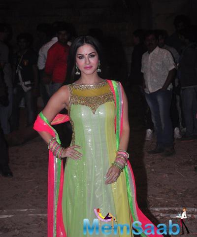 Sunny Leone Beautiful Look On The Sets Of Film Ek Paheli Leela