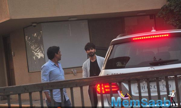 Shahid Kapoor Snapped At Juhu In Mumbai
