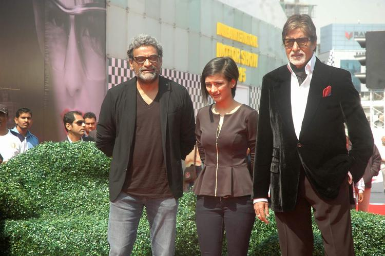 Team Shamitabh Promotion Their Movie At Mumbai International Motor Show