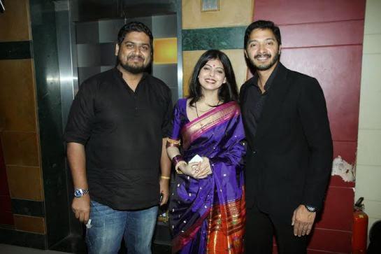 Deepti Talpade Posed WIth Hubby Shreyas Talpade At The Premiere Of Shreyas Talpade Starrer Baji