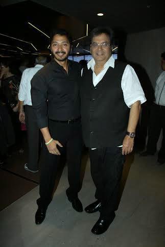 Shreyas Talpade And Subhash Ghai Posed During The Premiere Of Shreyas Talpade Starrer Baji