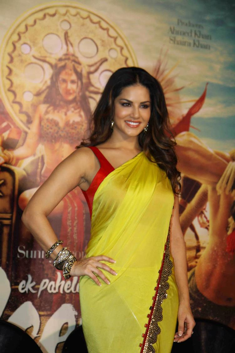 Sunny Leone Smiling Pose During The Trailer Launch Of Ek Paheli Leela Movie