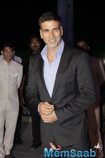 Akshay Kumar Radiant Look Smiling Pose During Smita Thackerey Son Wedding Reception