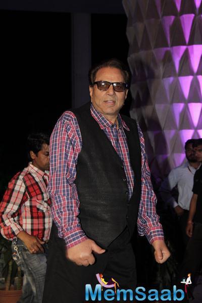 Dharmendra Came In Solo At Smita Thackerey Son Wedding Reception