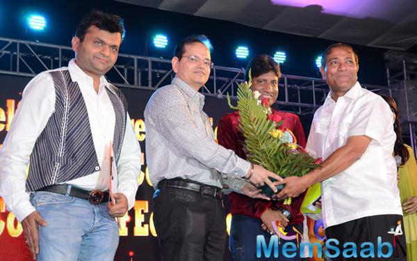 Raju Srivastav Cool Smiling Pose At 34th Annual Day Celebration Of Children Welfare Centre