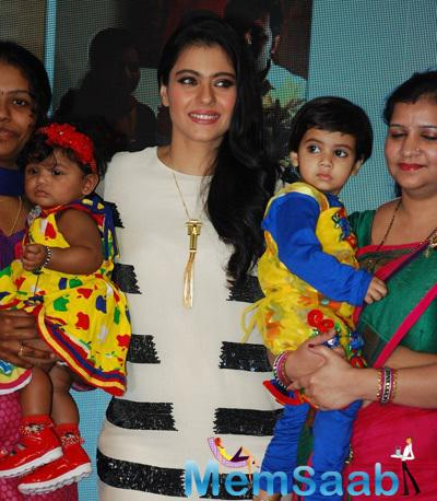Kajol Devgan At The Felicitation Of Huggies Priceless Moments Mobile Campaign Winners