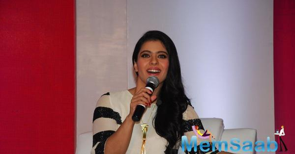 Kajol Interacting With Media At At The Felicitation Of Huggies Priceless Moments Mobile Campaign
