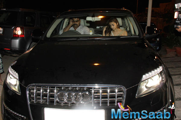 Alia Bhatt Spotted Travelling At Midnight In Her Audi Q7 Car In Juhu