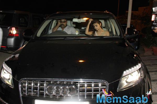 Alia Bhatt  Travelling At Midnight In Her New Audi Q7 Car
