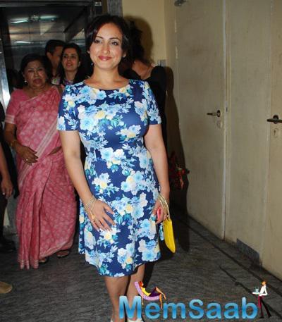 Divya Dutta In Floral Print Dress Nice Look During Badlapur Movie Screening