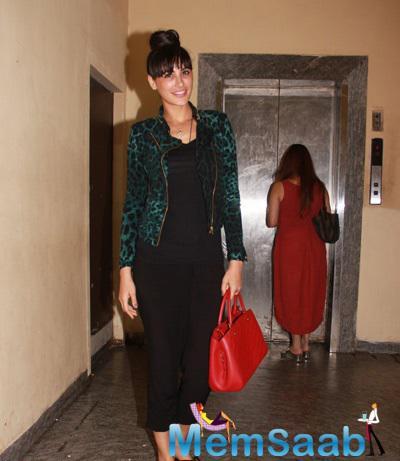 Nargis Fakhri Glamour Look Posed During Badlapur Movie Screening