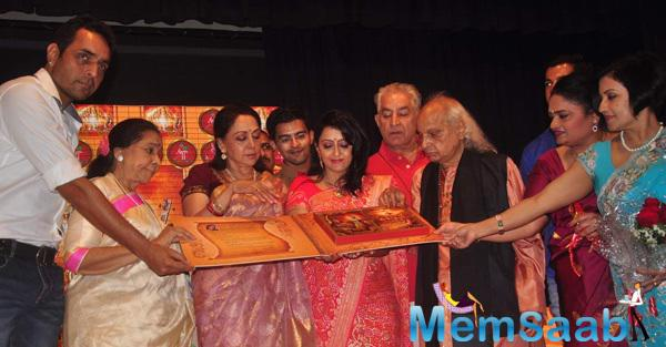 Hema And Asha Launches Dr.Veena Mundhra's Shri Hari Vani Gita Devotional Album And Book