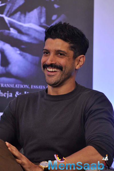 Farhan Akhtar Smiling During The Jeetendra Kothari Book Launch Event