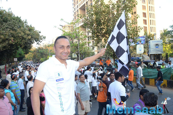 Rahul Bose Flagged Off A 4.5 Km Runathon In Mumbai