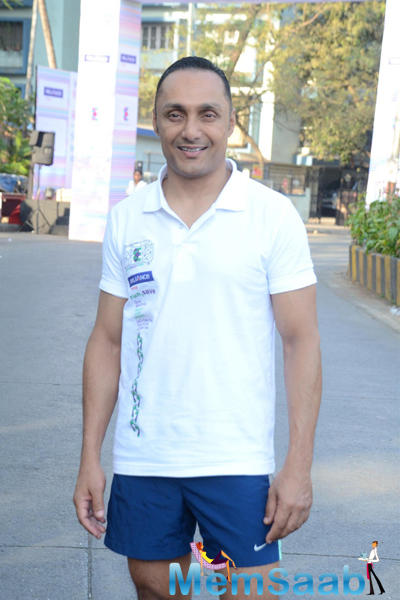 Rahul Bose Posed For Camera During The 4.5 Kms Runathon Event