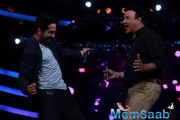 Ayushmann And Anu Malik Dance On The Set Of Sa Re Ga Ma Pa Lil Champs