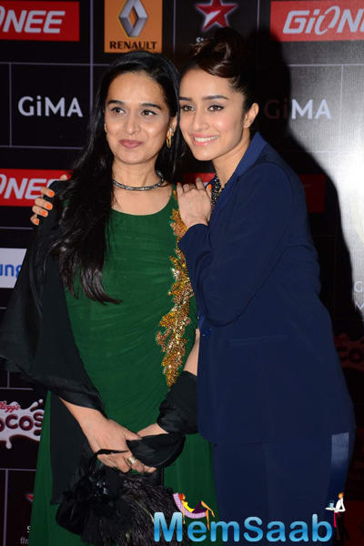 Shivangi Kapoor Attended The Global Indian Music Academy Awards With Daughter Shraddha Kapoor
