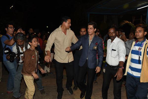 Shahrukh Khan Spotted To Attended India Poochega Sabse Shaana Kaun Presscon