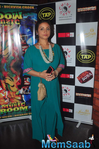 Divya Dutta Posed For Camera During The Launch Of Bickram Ghosh Album