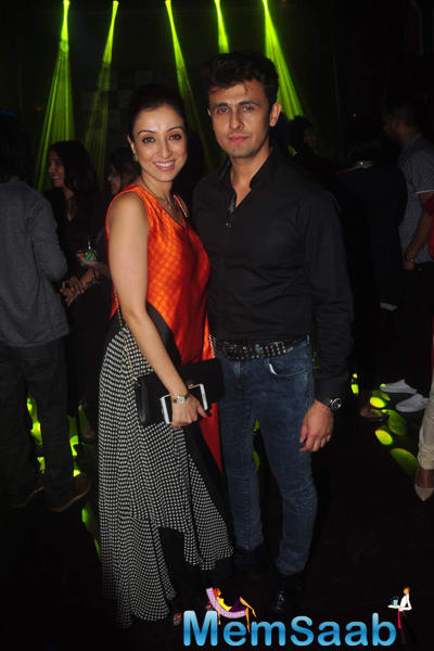 Sonu Nigam Posed With Wife Madhurima Nigam During The Launch Of Bickram Ghosh Album