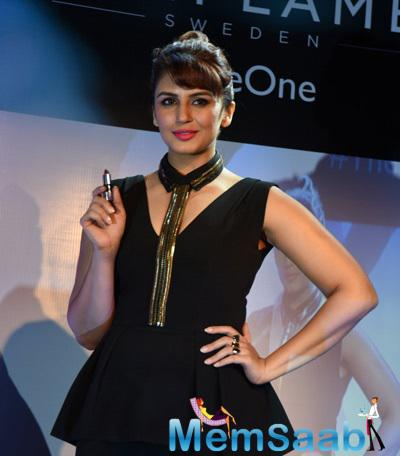 Huma Qureshi Launches Oriflame's New Makeup Range Lipstick
