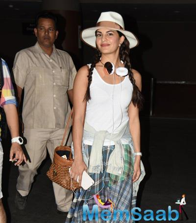 Jacqueline Fernandez Is Clicked Here At The Airport On Her Return From Bangkok