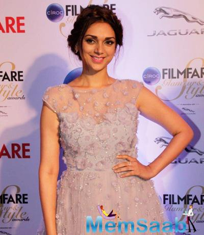 Aditi Rao Hydari Charming Look At The Ciroc Filmfare Glamour And Style Awards 2015