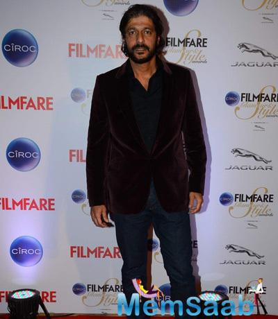Chunky Pandey Posed For Lenses At The Ciroc Filmfare Glamour And Style Awards 2015