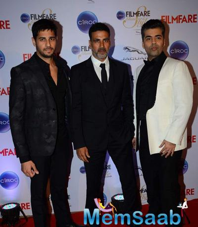 Sidharth Malhotra,Akshay Kumar And Karan Johar Posed At The Ciroc Filmfare Glamour And Style Awards 2015