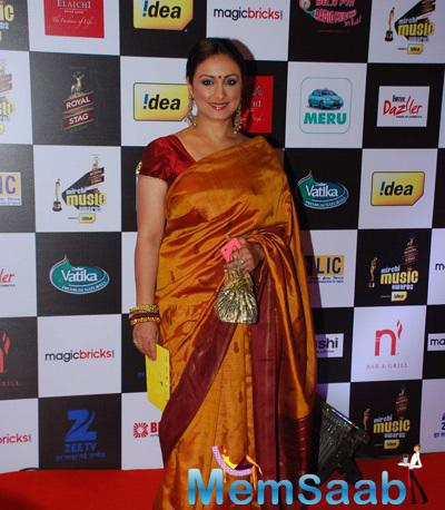 Divya Dutta In Saree Traditional Look At The 7th Mirchi Music Awards 2015