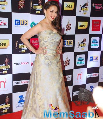 Madhuri Dixit Gorgeous Look At The 7th Mirchi Music Awards 2015