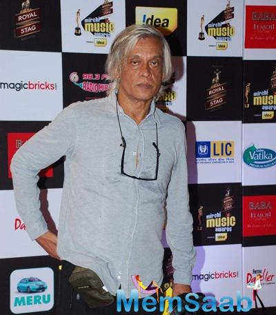 Sudhir Mishra Posed For Camera At The 7th Mirchi Music Awards 2015