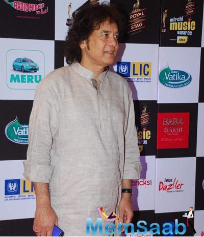 Ustad Zakir Hussain Present At The 7th Mirchi Music Awards 2015