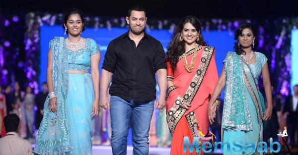 Aamir Khan And Shaina NC Walked On Ramp At 10th Annual Caring With Style Fashion Show