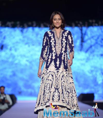 Sonakshi Sinha Dazzled On Ramp At The 10th Annual Caring With Style Fashion Show