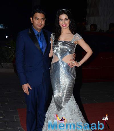 Divya Khosla Kumar And Bhushan Kaumar Posed At Tulsi Kumar And Hitesh Wedding Reception