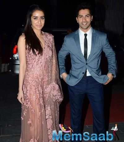 Shraddha Kapoor And Varun Dhawan Posed For Camera At Tulsi Kumar And Hitesh Wedding Reception