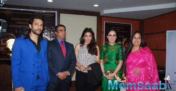 Raveena Pose During The Young Environmentalists Trust Women Achievers Awards