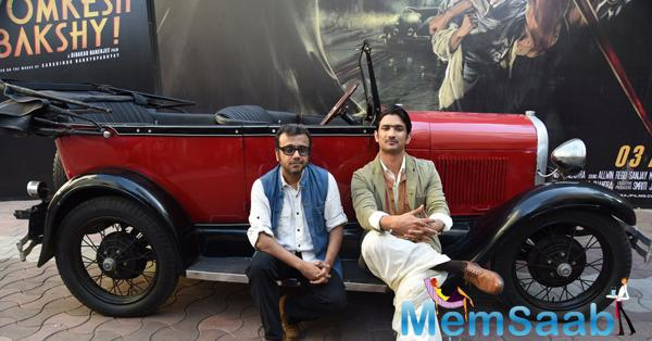 Dibakar Banerjee And Sushant Singh Rajput Clicked During The 2nd Trailor Launch Of Detective Byomkesh Bakshi