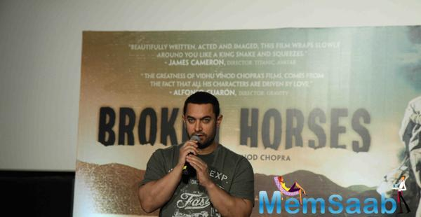 Aamir Khan Interacting With Press During The Trailer Of Vidhu Vinod Chopra's Broken Horses