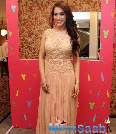 Rashmi Nigam Flawless Look During The Launch Of Ritu Kumar 2015 Summer Collection