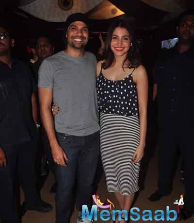 Anushka Catches A Screening Of 'NH10' With Her Co-Stars Neil Bhoopalam