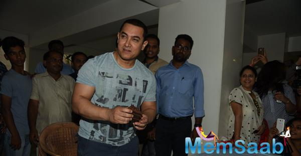 Aamir Khan Cuts Cake With Media And Fans With 50th Birthday