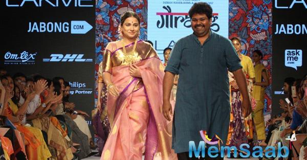 Vidya Balan On Ramp At LFW For Designer Gaurang