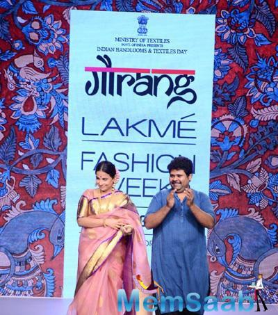 Vidya Balan Walked With Gaurang Shah At The LFW Summer Resort 2015