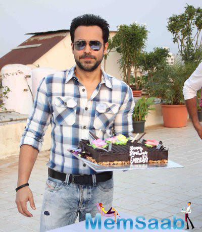 Emraan Hashmi Pose With His Birthday Cake At Bandra