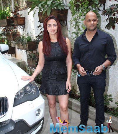 Esha Deol Clicked At Barefoot To Goa Trailer Launch