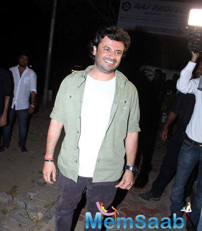 Vikas Bahl Smiling Pose During Haider Movie National Award Success Meet