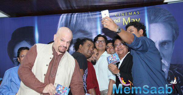 Shaan And Others Taking Selfie During The Launch Of Bachpan Ek Dhoka Music Album